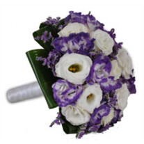 wedding bouq purple and white